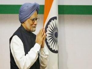 coalgate-summons-sonia-top-cong-leaders-march-to-manmohan-singhs-residence-to-express-solidarity